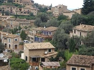 Private village house to rent for holidays in Deia, Mallorca (Majorca) B752