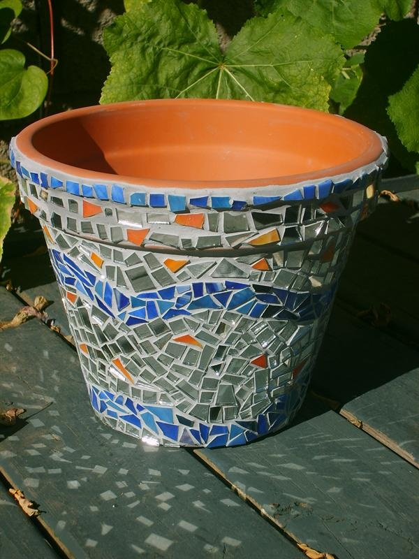 This Mosaic Plant Pot Was Made From A Terra Cotta Pot Recycled Glass And Mirror Mama Katz