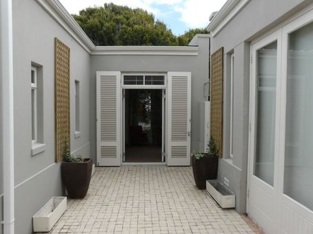 Hermanus Cottages - Sandpiper Cottage: Garden Room.FIREFLYvillas, Hermanus, 7200 @fireflyvillas ,bookings@fireflyvillas.com,  #Sandpiper #FIREFLYvillas #Hermanus