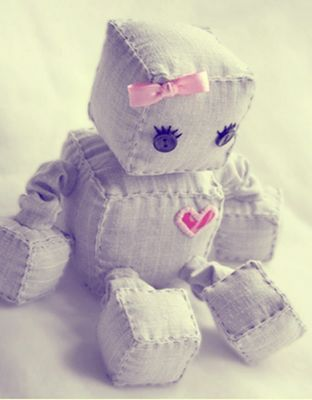 Adorable stuffed robot made mostly from squares. Thats so adorable.