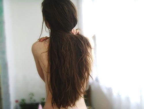 Записаться на процедуру наращивания волос можно по телефону +7 499 390-80-40 (Москва)