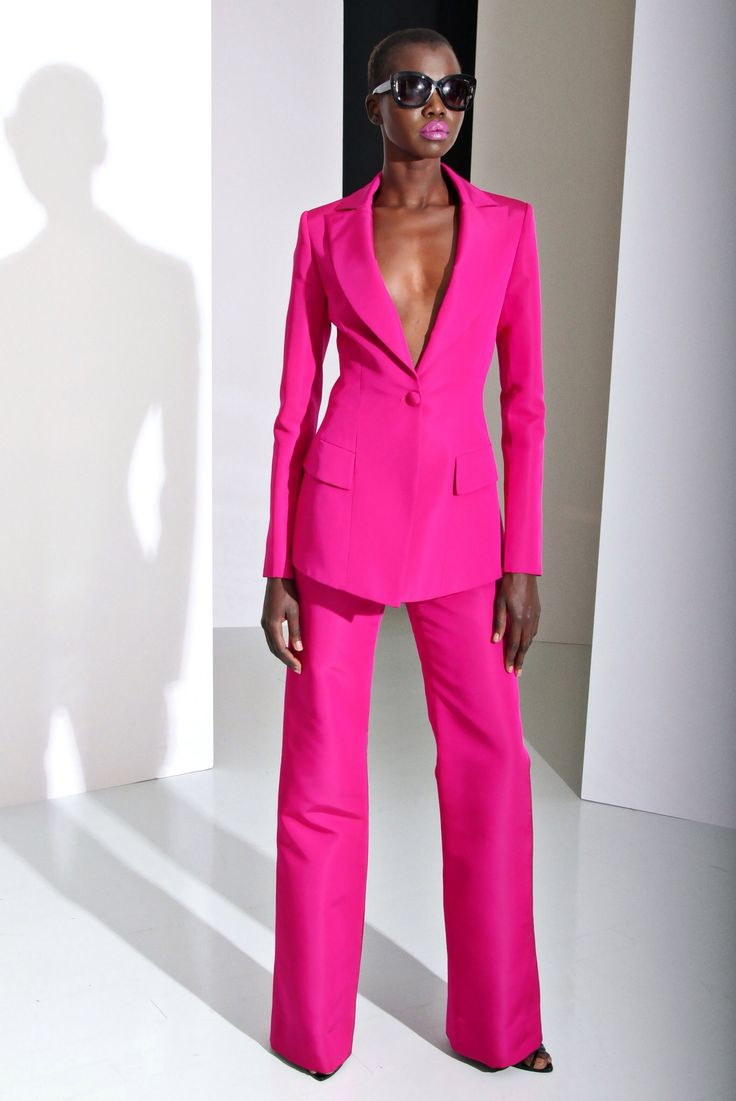 Christian Siriano, Look #29. Fitted Suits for women. menswear inspired looks for women. women's fashion and style.