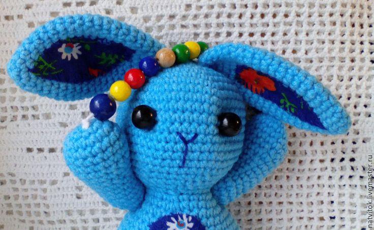 Купить Заюшка со скакалкой,развивающая игрушка для малышей вязаный крючком - голубой, кролик игрушка, #amigurumi_blue_crochet_bunny