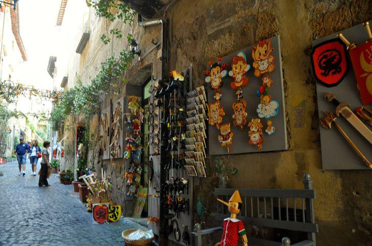 Un'altra suggestiva via di Orvieto!