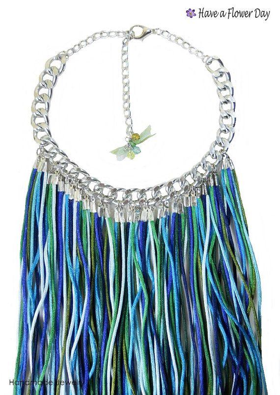 Collar largo de flecos azules y verdes. Collar por HaveaFlowerDay