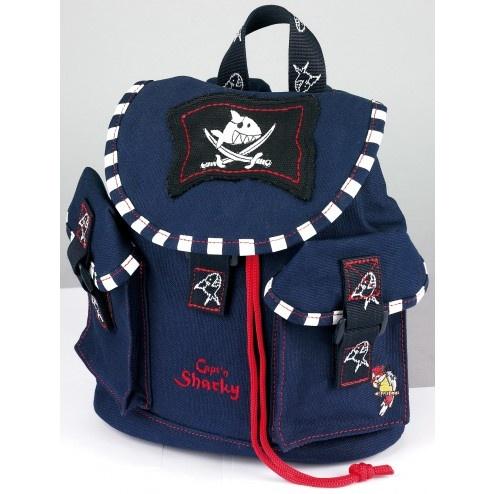 Mochilla Capitán Pirata Shraky de Spiegelburg. Precio: 24.95€. http://www.4kidsandfriends.com/mochilla-capitan-pirata-shraky.html. Ideal para la guardería o para los primeros paseos. Sus bolsillos y detalles de tiburón feroz la hace imprescindible para los niñ@S.