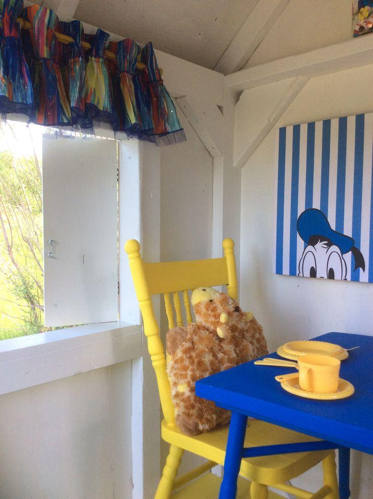 Rideaux faites à partir d'une robe soleil pour enfant, pôle à rideaux baguette de bambou colorée jaune