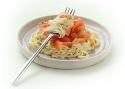 Spaghetti met curry en gerookte zalm