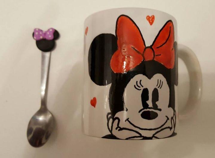 MINNIE mug..