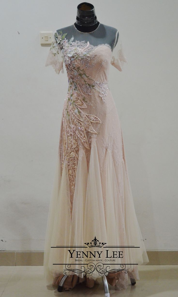 Yenny Lee Bridal Couture   +62 812 1741 1038   Instagram : @yennylee_couture   www.yennyleecouture.com