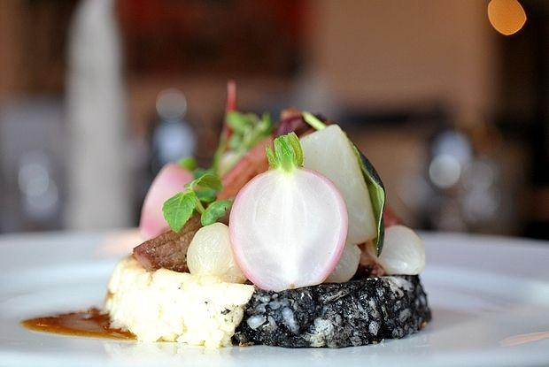 Pavé de Zèbre et sa glace vigneronne,  Duo de risotto et ses légumes tournés  Zebra steak and its wine ice-cream, Duo of risotto and turned vegetables