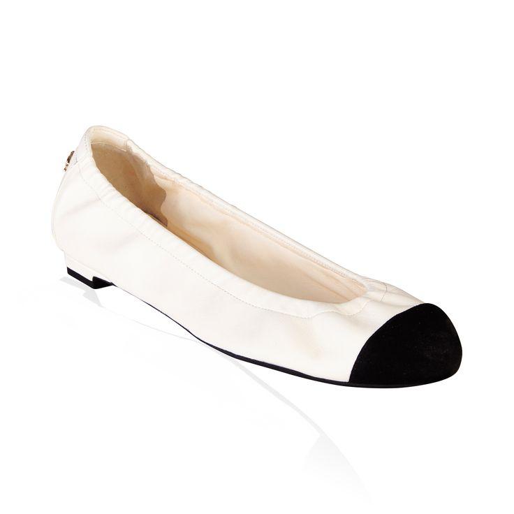 Chanel- Ballerina Flats White/Black Elastic