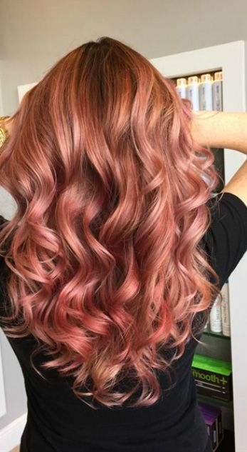 Beautiful rose gold hair <3
