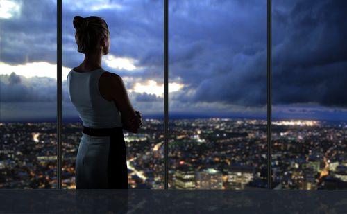 Έτσι συμπεριφέρονται οι επιτυχημένες γυναίκες - http://ipop.gr/themata/eimai/etsi-simperiferonte-epitichimenes-ginekes/