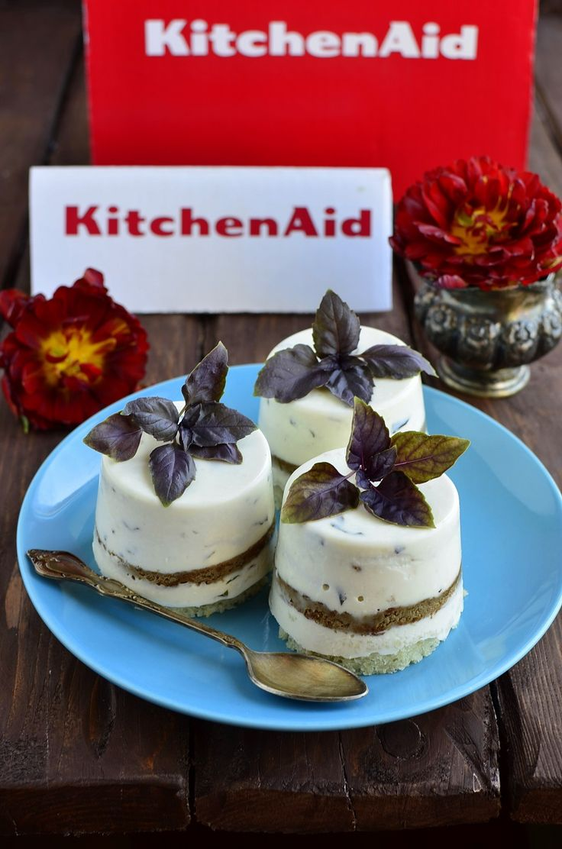 ЗАКУСОЧНЫЕ ПИРОЖНЫЕ С БАЗИЛИКОМ!  http://www.koolinar.ru/recipe/view/124971
