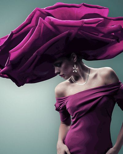 Pour la Tête - Huge purple hat looks like a flower! I love it!