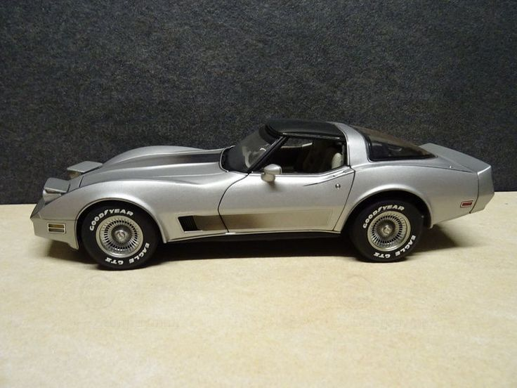 1/18 diecast 1982 collector corvette for sale on ebay | Chevrolet Corvette Anniversary Collector`s Edition (diecast 1:18 ...