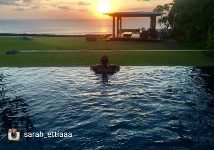 Don't want to leave 😭 📷:@sarah_ettiaaa  buff.ly/2tAa7lE  #sunset #zambobaliwedding #istanavilla #geriabali #luxwt #baliwedding #wedding #tbt #ootd #holidays #luxuryvilla #Instagram #beautifuldestination #hgtv #Facebook #bali #balibible #theluxurylifestyle #luxuryproperties #luxuryvilla #villalife #balivillas #villainbali #wonderfulindonesia #pesonaindonesia #wtm