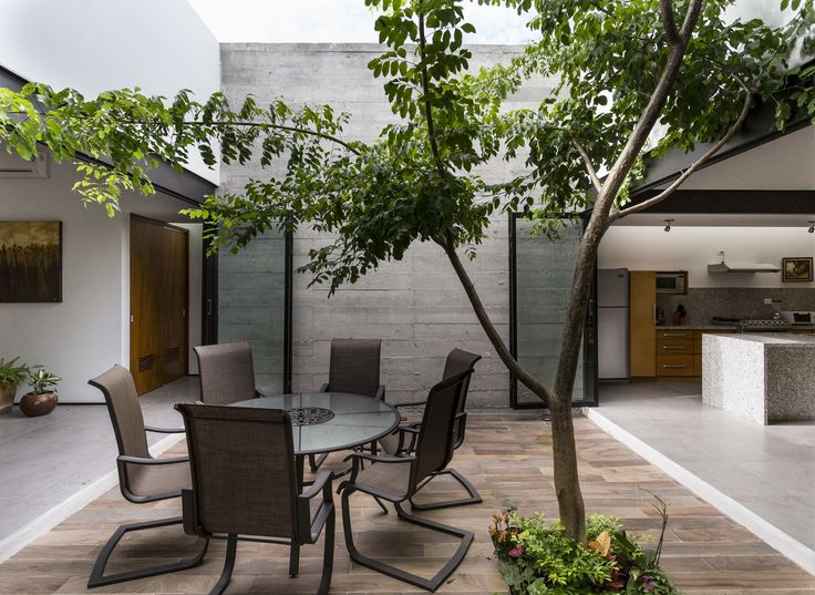 Two Courtyards House,© David Cervera