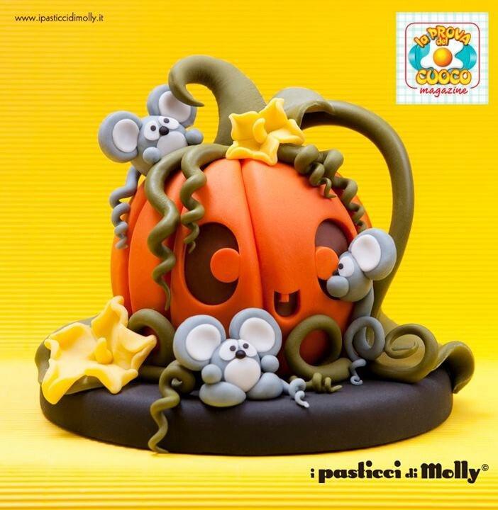.Halloween cake