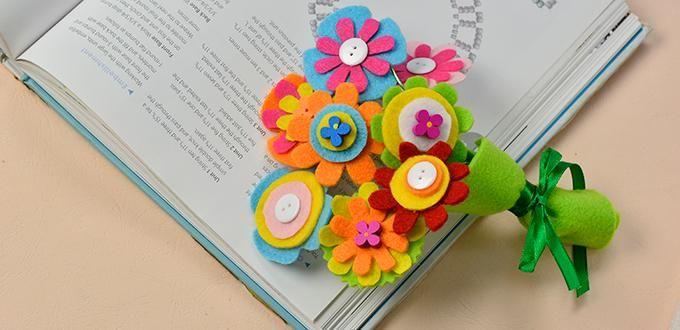 海外サイトでとても華やかで見ているだけでも元気になりそうな手作りの花束&ブーケの作り方見つけました。素材も扱いやすいフェルト!フェルトの特徴でもある、カットしたまま布端の始末をしなくいい魅力的な素材です。お家にお花が飾られているのはやっぱりいいものですよね。でも、いつもいつも生花を用意するのも大変。ふんわり柔らかいフェルトフラワーでお部屋いっぱい飾って下さい。可愛い作品マネさせて頂きましょう♪