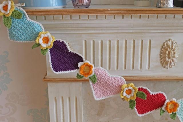 Hearts and Flowers bunting...Cupcake JoJo