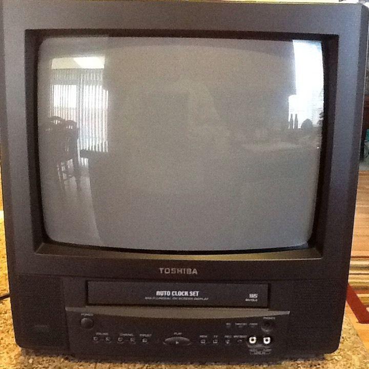 Toshiba 13 Color Tv Vcr Combo Model Mv13l3 No Remote In