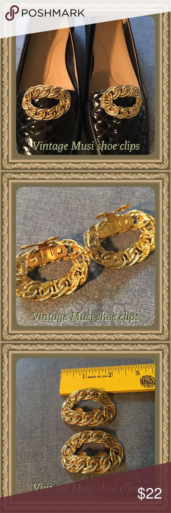 Vintage Musi shoe clips Vintage Musi shoe clips, gold tone SPat460, shoes are not included Vintage MUSI Jewelry