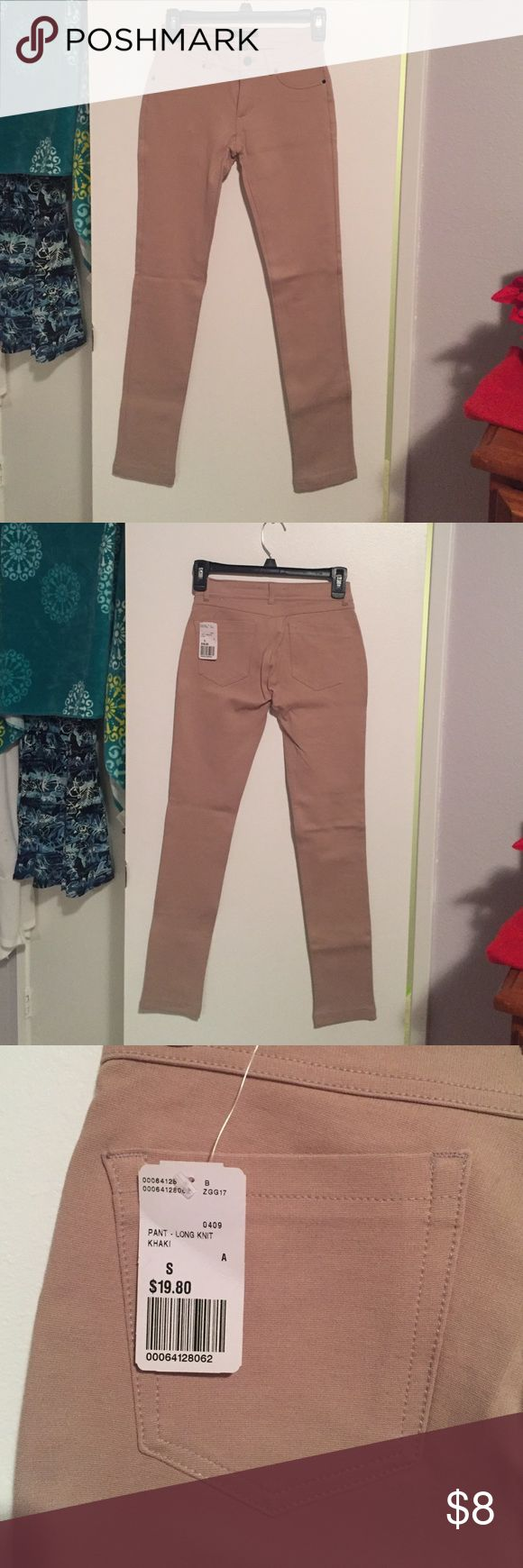 NWT Khaki jeggings Khaki/tan jeggings. NWT Forever 21 Pants