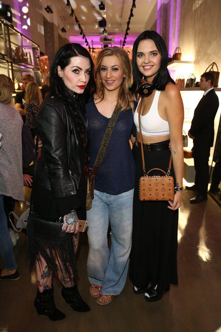 Pin for Later: Die Stars machen Berlin zum Mode-Mekka bei der Fashion Week Annie Kästner, Verena Kerth und Bonnie Strange bei einem Event von MCM