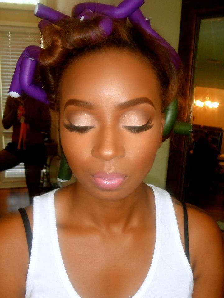 Beautiful Make Up on African American Women.    SOURCE: https://www.facebook.com/AlexandraButlerMUA