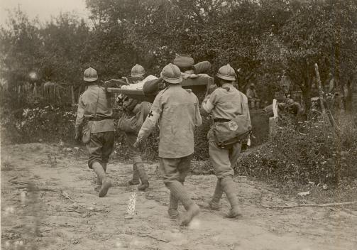 BU-F-01073-1-08734 Prizonier german rănit, evacuat. Curmătura, 1917.07.11 (niv.Document)