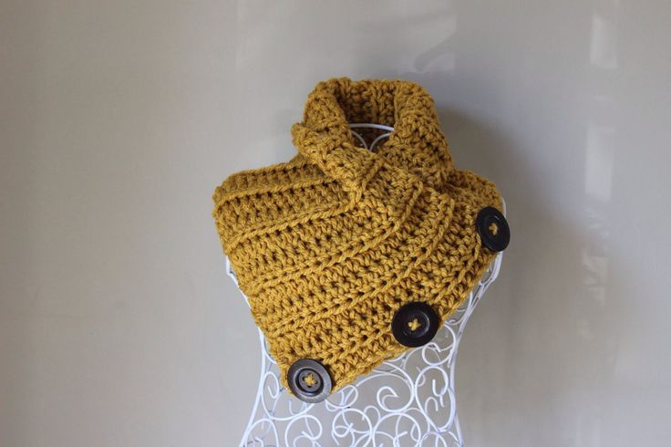 Crochet button cowl in warm autumn yellow, crochet scarf, handmade, neck warmer,