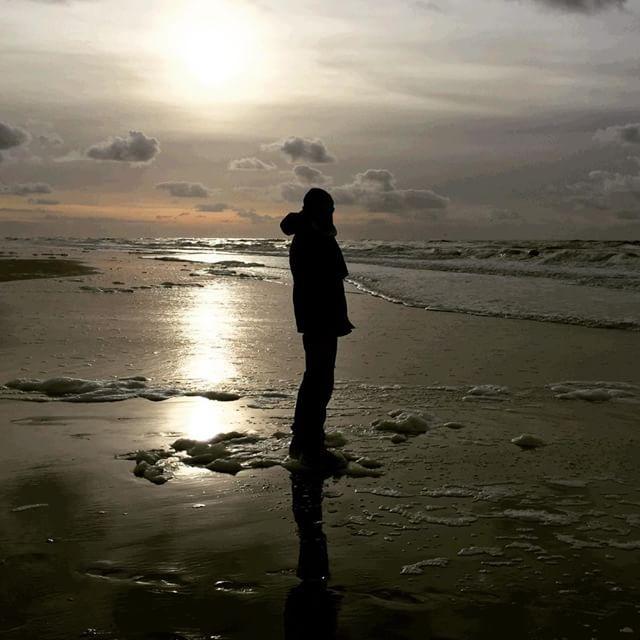 Lars staring at the sea.