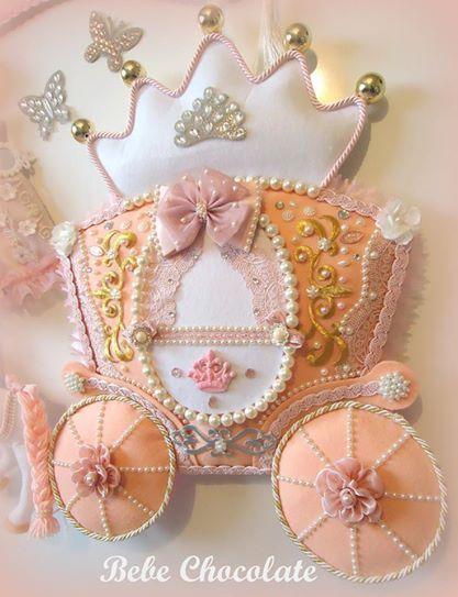 felt baby wreaths, prenses, felt princess, melek kanadı anı defteri, felt angel wing, note book, handmadei angel wing, baby wreath ideas, baby wreath for hospital door, car wreath, felt princess, balkabağı araba