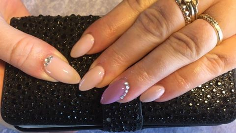 Nede gel nails with rhinestone