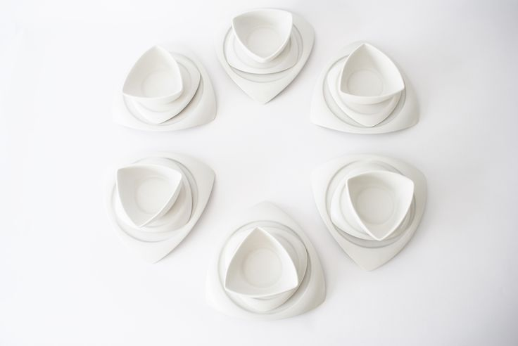 Set your table with this unique matte white ceramic plates and bowl set by ubikubi.ro