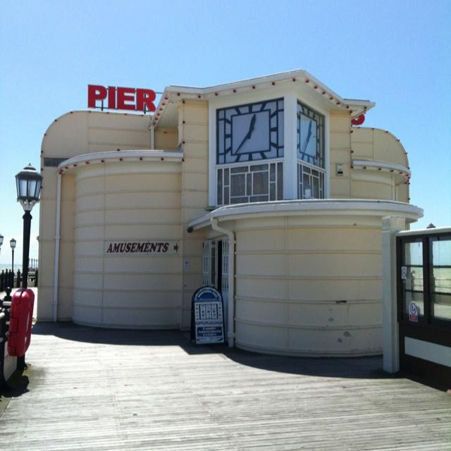 Worthing Pier, Sussex.  #jadegoto #landscapearchitect #sussex