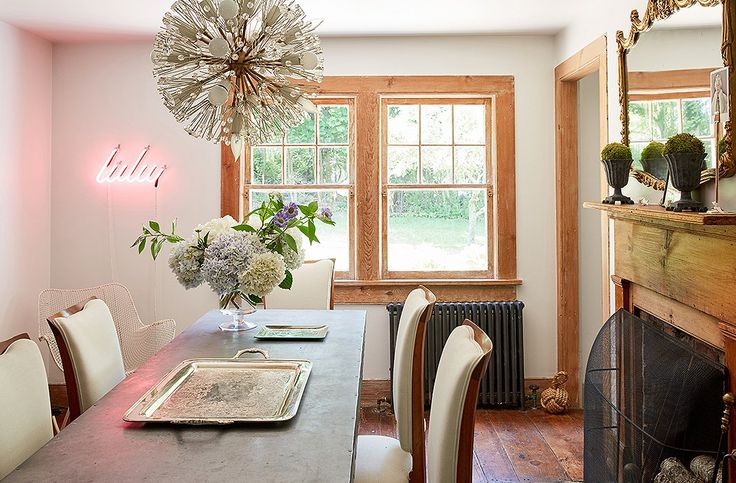 This Delightful Two Bedroom Saltbox Beach House In Long Island Belongs To Designer Jennifer Vaughn Miller That She Shares With Her Family