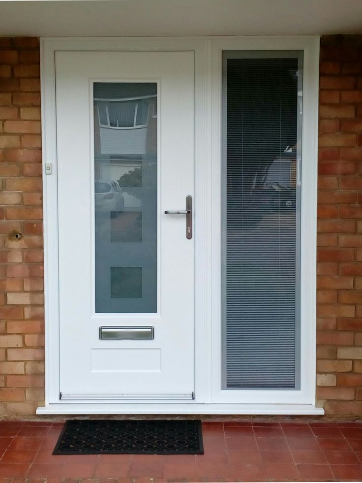 A lovely White Vogue fitted with Cube glass and finished off with a glass side panel.  #Rockdoor #Vogue #CompositeDoor #Frontdoor