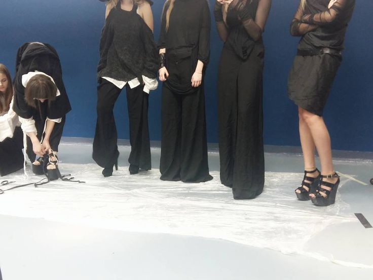 Ha! A ja już widziałam jutrzejsze kolekcje. Jednym słowem - przymiarki do @fashionmania_silesia udane! Do zobaczenia jutro na gali      ________  #fashion #fashionblogger #fashionista #fashionshow #fashiondesigner #firstrow #pokazmody #polishgirl #polishfashion #polskamoda #designer #fashionable http://ift.tt/2ptOPFm