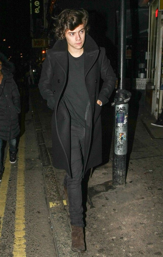 Fall Essential: Suede Chelsea Boots Inspired by Harry Styles image Harry Styles Suede Chelsea Boots Style e1407460831634