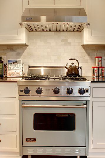 Beautiful Viking range in a custom color.