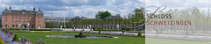 Die Anfänge des Schwetzinger Schlosses liegen in einem kleinen ritterlichen Wasserschloss und reichen durch eine wechselvolle Geschichte bis zur höchsten Blüte höfischen Glanzes unter der Regierung von Kurfürst Carl Theodor (1724-1799).   Das Innere des Schlosses ist kostbar ausgestattet und der Schlossgarten ist ein Gartendenkmal von europäischem Rang.  In ihr entstanden immer neue Gartenbauten: die Moschee, das Badhaus, der Tempel der Botanik und andere.