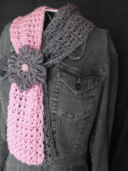 Pink and Grey Two-Toned Scarflette with Flower Cinch - This is a beautiful crochet pattern!