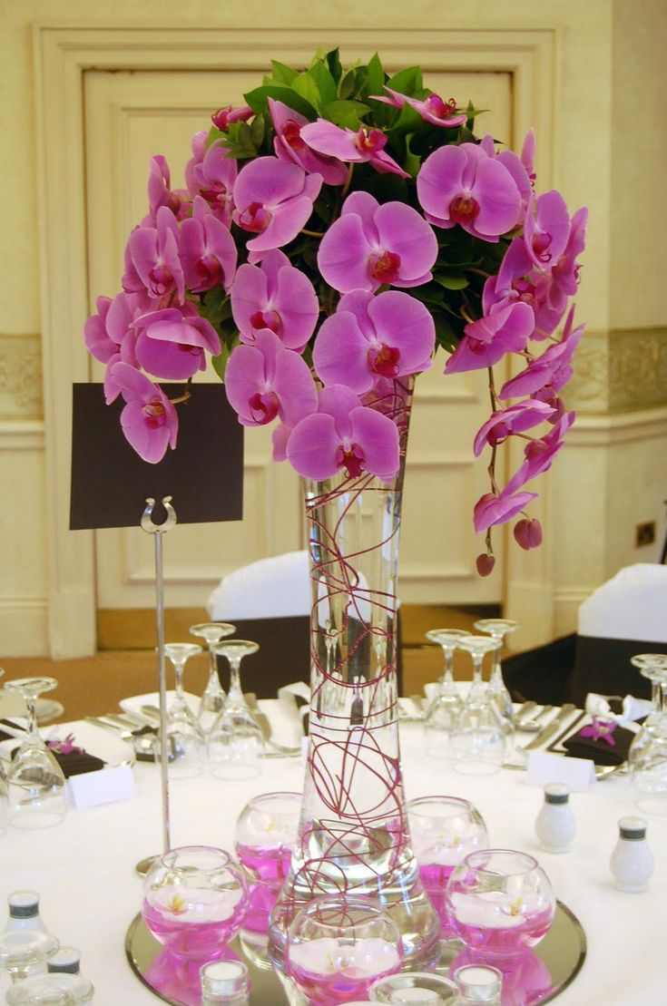 Flower vase kijiji - The Complete Combination Of The Mirror Votives Vase And Flowers Make For A Beautiful And Fresh Centerpiece