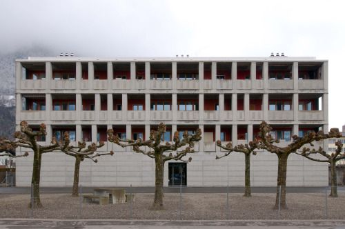 Peter Märkli - Mehrfamilienhaus, Sargans 1986