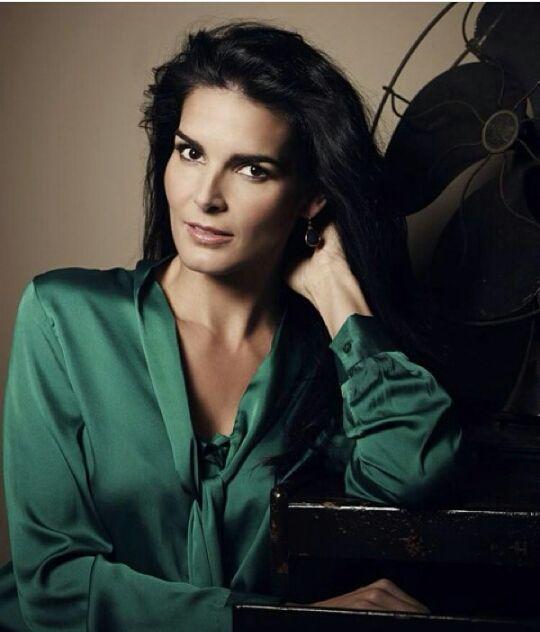 Angie harmon sasha alexander