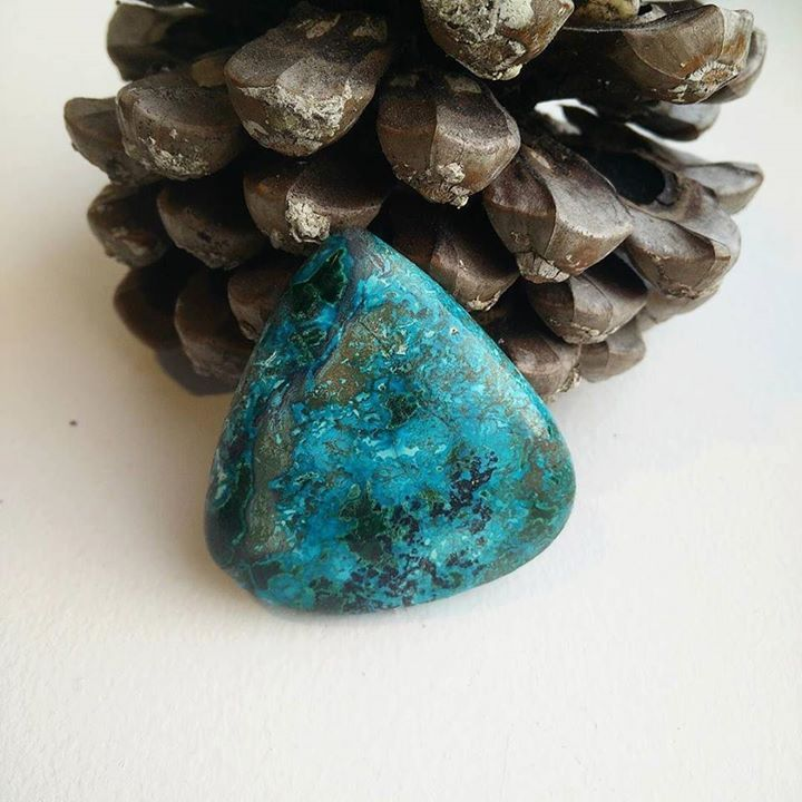 New beautiful Chrysocolla Stone in our collection. Looking forward to make a new amazing macrame piece! If you would love to have a handmade necklace from us with this gemstone please don't hesitate to contact us! _