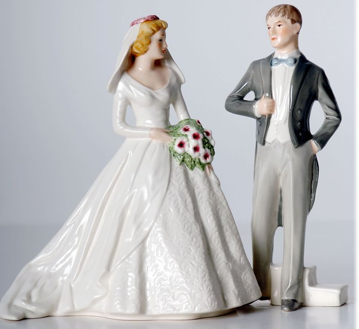 Vintage Bride Groom By Goebel Of Germany VintageTopper Find This Pin And More On Wedding Cake Toppers